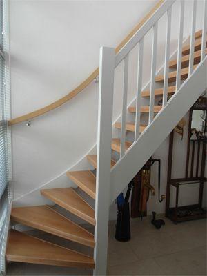 Open trap mondea spanplafond en traprenovatie - Hoe een trap te kleden ...