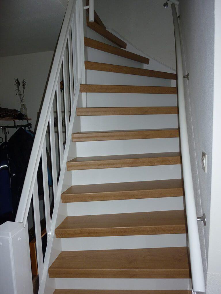 Eiken divers mondea spanplafond en traprenovatie - Witte trap grijs ...